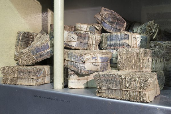 banknotes at eh Ottoman Bank Museum